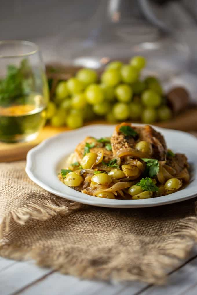 Spanish grape and cilantro chicken is gluten-free and delicious.