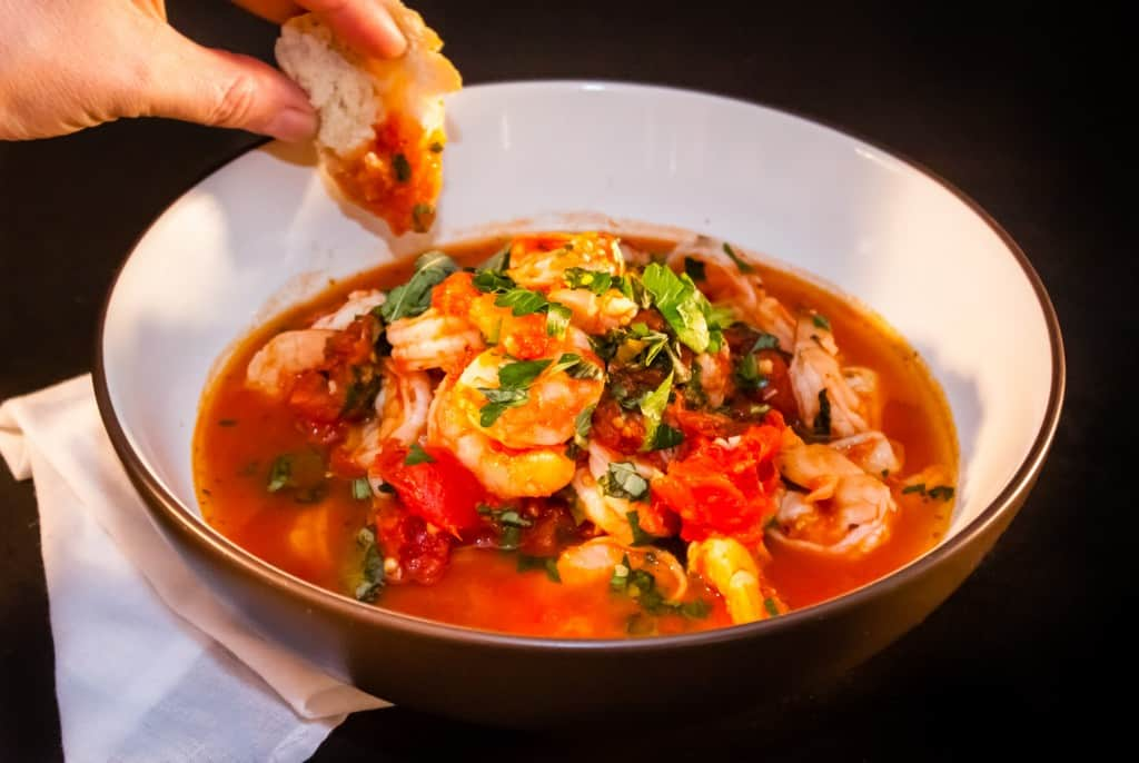 Shrimp Fra Diavolo in Pan with bread