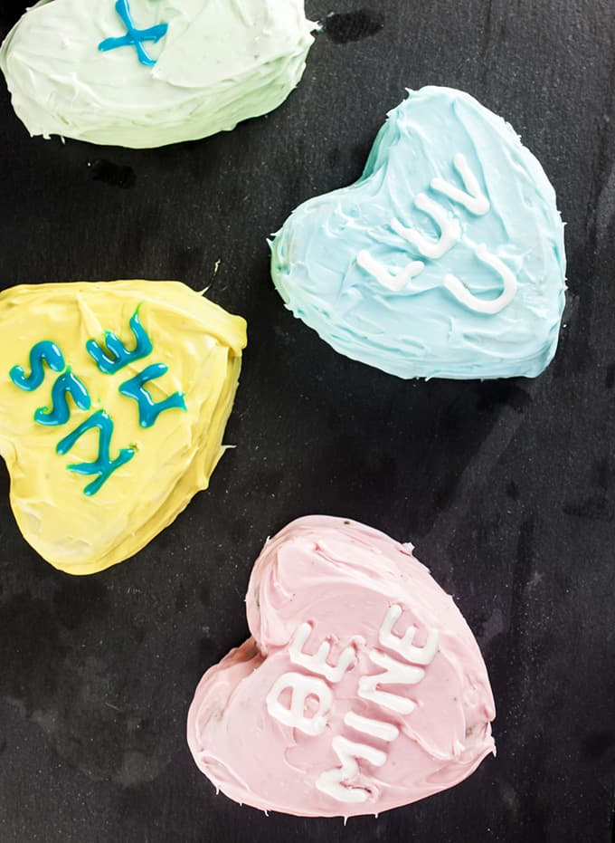 These conversation heart cakes are perfect for Valentine's Day