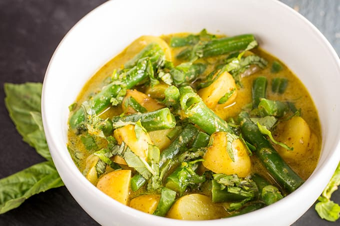 Thai Green Curry with Green Beans and Potatoes